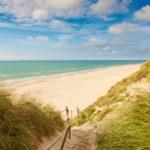 fotografia piaszczystej plaży
